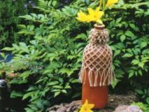 Как сделать плетеные вазы в саду