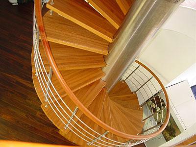 Какие бывают лестницы: особенности и виды конструкций