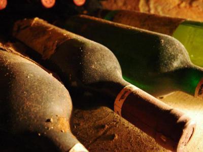 Вино и лавровый лист