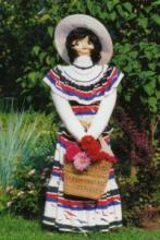 Садовые скульптуры своими руками. Брюнетка и Дама в шляпе