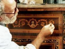 Чтоб точильщик не точил: как вернуть к жизни старую мебель